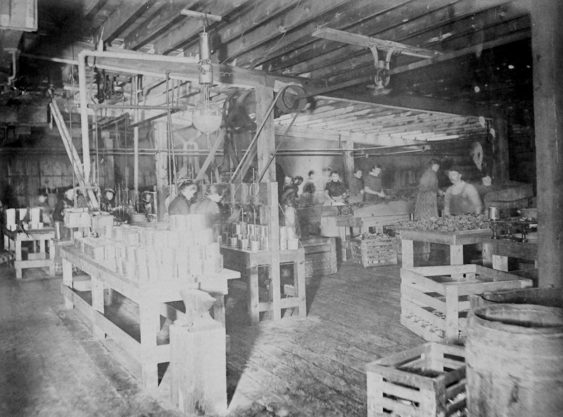 Canning room, stockyards. Description: Canning room, stockyards; Chicago, IL. Source: ICHi-21839. Chicago History Museum. Reproduction of photograph, creator - J. W. Taylor. Date: 1890's.